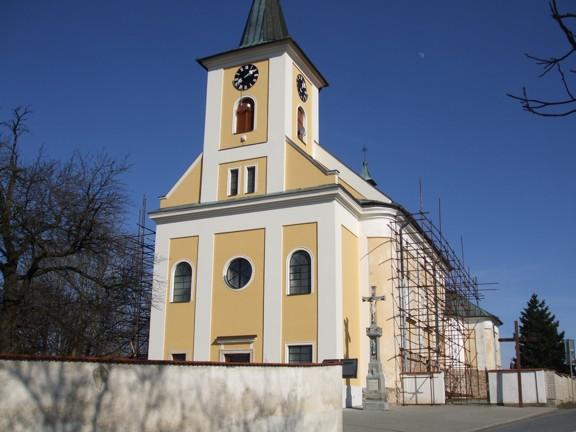 Fasáda kostela v Protivanově