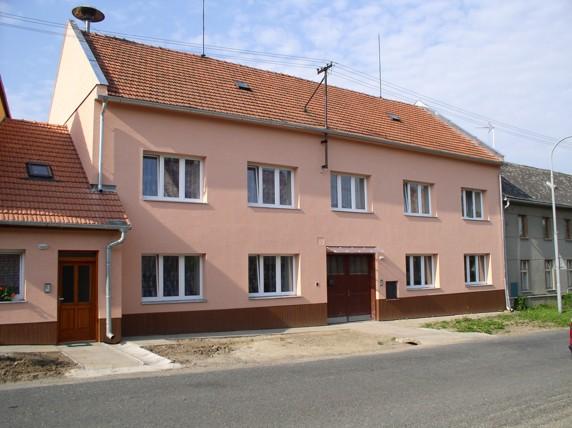 Fasáda v obci Stařechovice