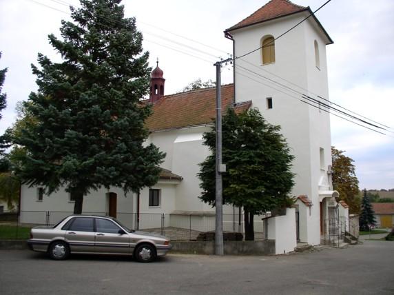 Fasáda Kostela ve Vranovicích