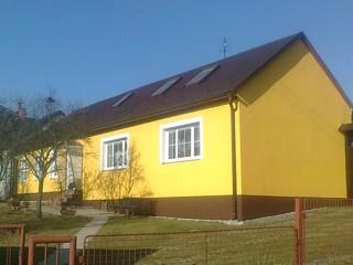 Fasáda obec Buková